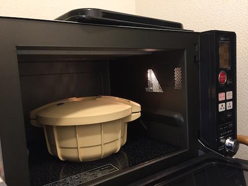電子レンジに圧力鍋を入れる!あと一息で鍋料理完成。