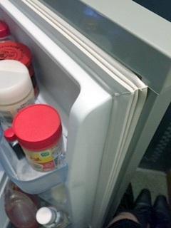 Panasonic冷蔵庫NR-B149W-Sのドアパッキン(正常時)